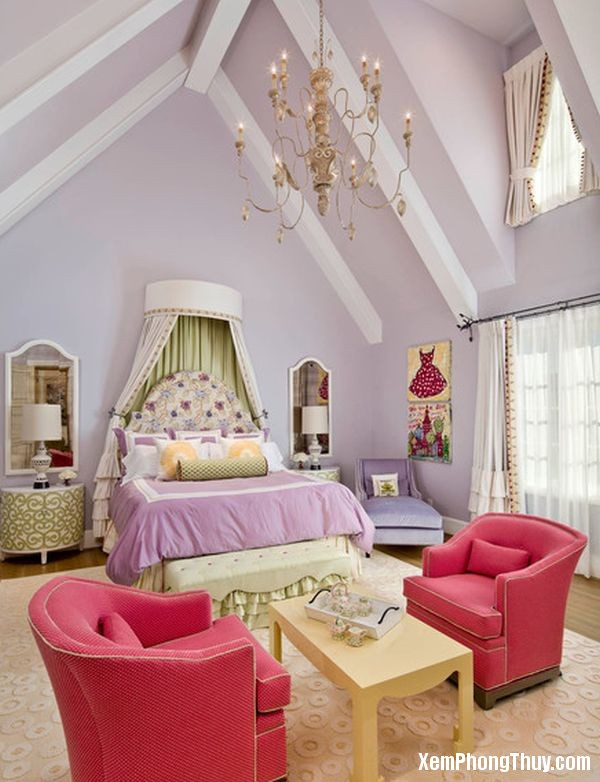Canopy-Bed-Styles-for-Girl-in-Attic-68438