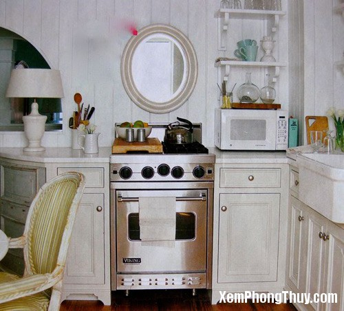 44 5 Gương trong bếp sẽ tạo sự sung túc