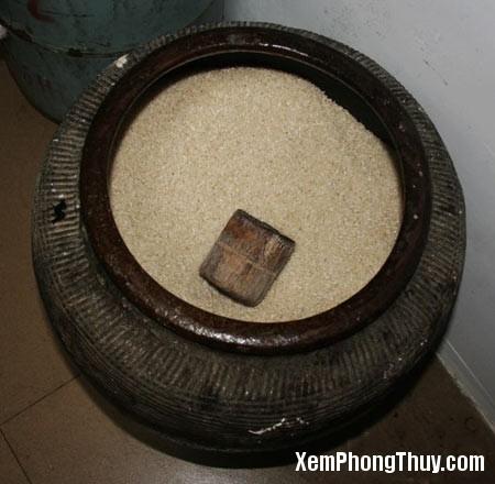 hu gao 2 Tiền vô như nước, thăng quan phát tài chỉ nhờ hũ gạo, bạn có tin không?