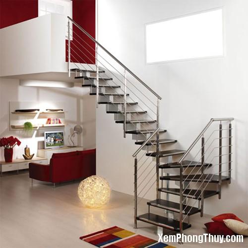 225 datcauthangtrongnha2 Cầu thang chạy thẳng ra cửa nằm mơ cũng không giàu nổi
