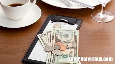 phong thuy 1 Tiền để thế này trong nhà bảo sao mà gia đình ngày càng nghèo hèn đi